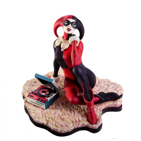 Batman The Animated Series statuette Harley Quinn Waiting For My J Man Mondo