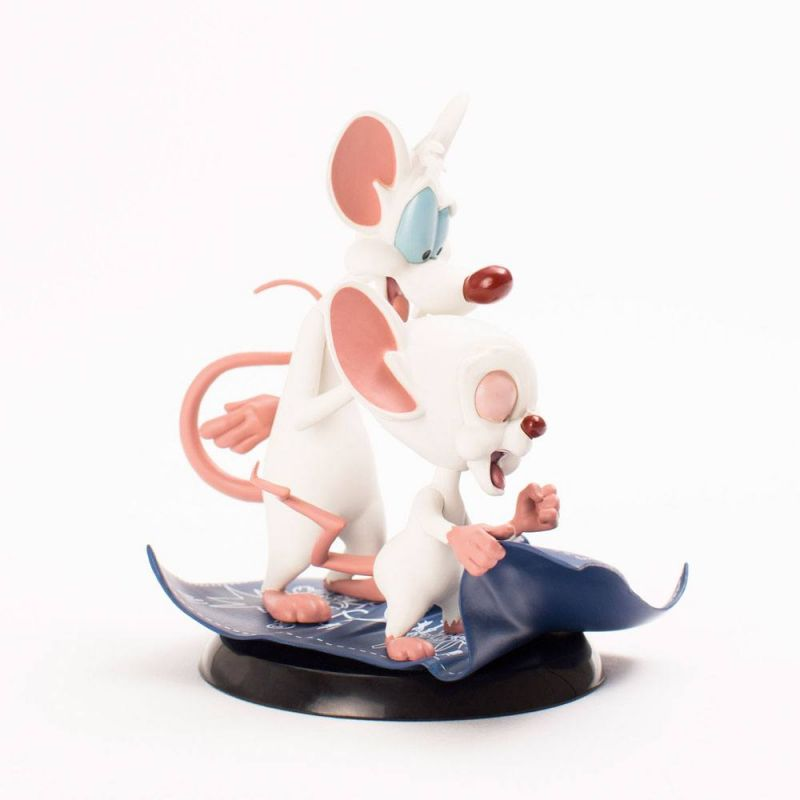 Minus Et Cortex Figurine Q Fig Taking Over The World