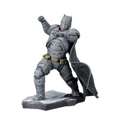 Batman v Superman Dawn of Justice statuette ARTFX+ 1/10 Batman Kotobukiya