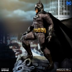 DC Comics figurine 1/12 Batman Sovereign Knight Mezco Toys