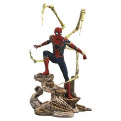Avengers Infinity War Marvel Movie Gallery statuette Iron Spider-Man Diamond Select