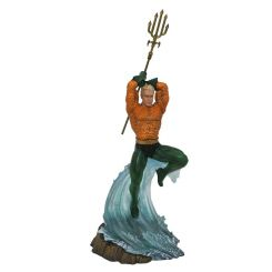 DC Gallery statuette Aquaman Diamond Select