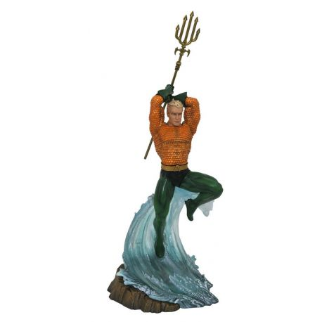 DC Gallery statuette Aquaman Diamond Select