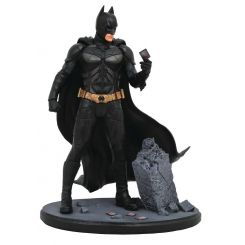 The Dark Knight DC Movie Gallery statuette Batman Diamond Select