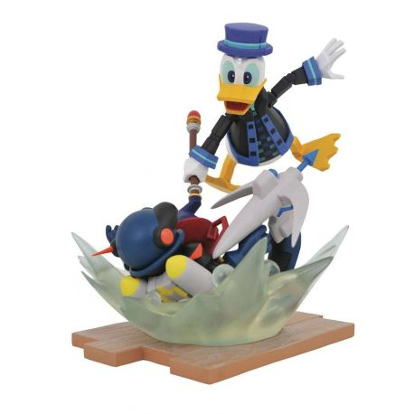 Kingdom Hearts 3 Gallery statuette Toy Story Donald Duck Diamond Select