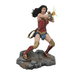 DC Comic Gallery diorama Wonder Woman Bracelets JL Movie Diamond Select
