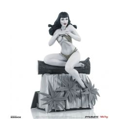 Women of Dynamite statuette Bettie Page (Black & White Edition) Dynamite Entertainment