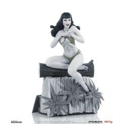 Women of Dynamite statuette Bettie Page (Black & White Edition) Dynamite Entertainment