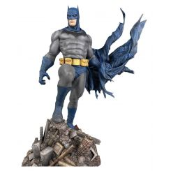 DC Comic Gallery statuette Batman Defiant Diamond Select
