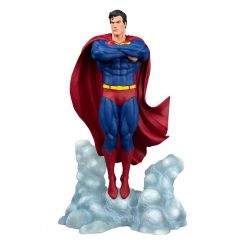 DC Comic Gallery statuette Superman Ascendant Diamond Select