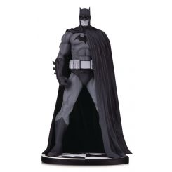 Batman Black & White statuette Batman (Version 3) by Jim Lee DC Direct