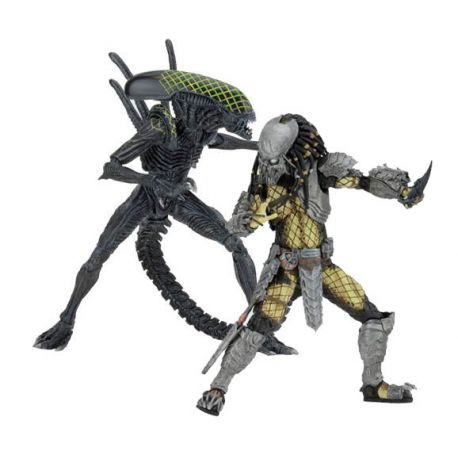 Alien vs. Predator pack 2 figurines Battle Damaged Celtic vs Battle Damaged Grid Neca